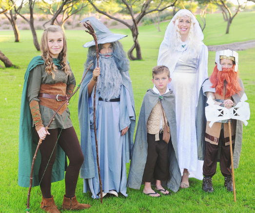http://www.yellowpearphotography.com/2014/11/the-lord-of-rings-costumes.html